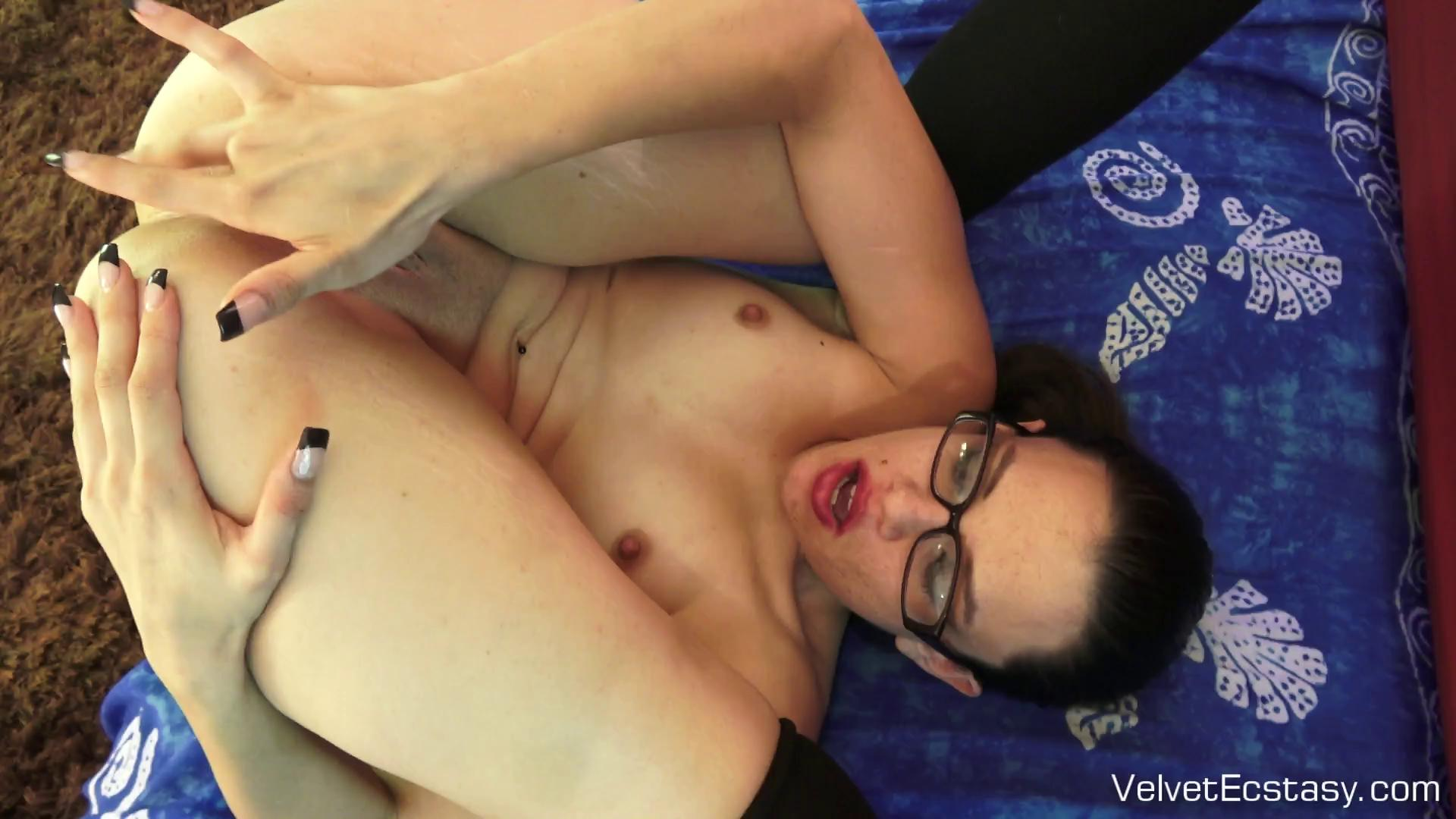 VelvetEcstasy – Lina Schooling Lina