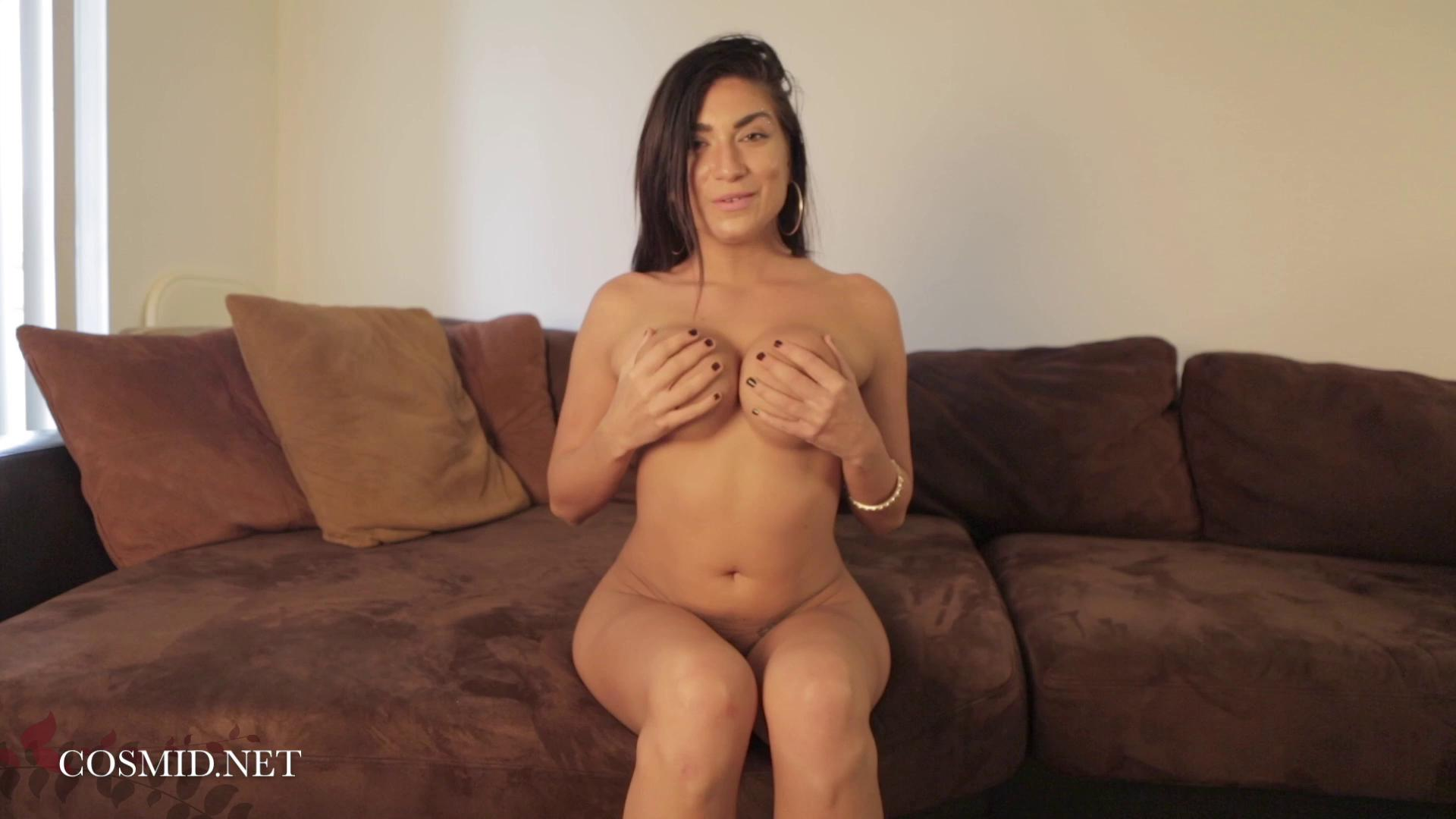 Cosmid – Chloe Parsa Chloes Couch Video