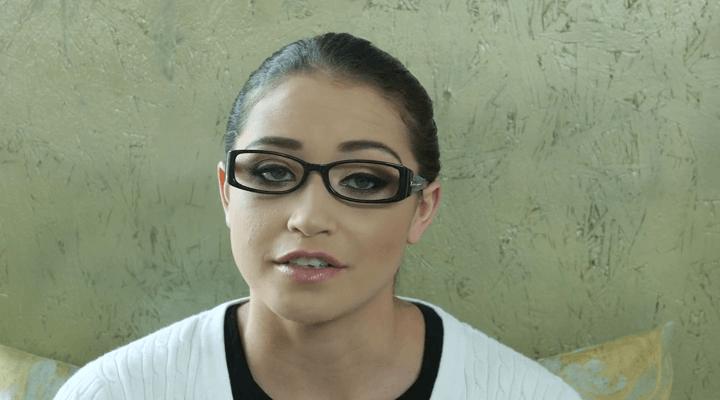 Babes – Nikki Snow Voyeur House Part 1