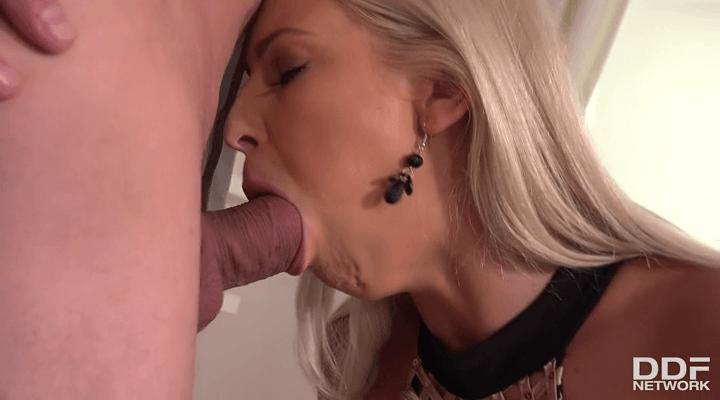 OnlyBlowJob – Karol Lilien