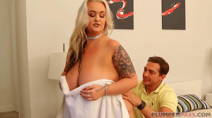 PlumperPass – Kendra Kox Freshly Bathed BBW Babe