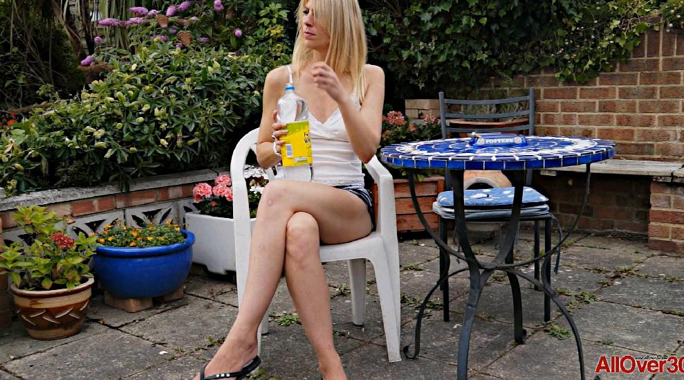 AllOver30 – Jentina Small