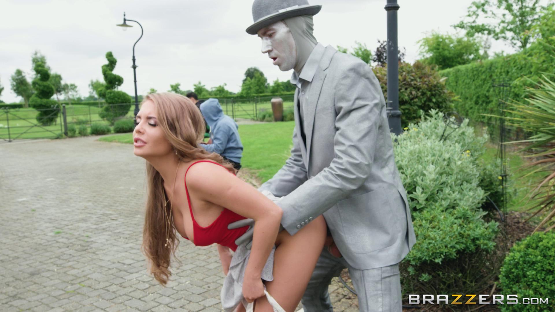 BrazzersExxtra – Alessandra Jane Fucking The Busker