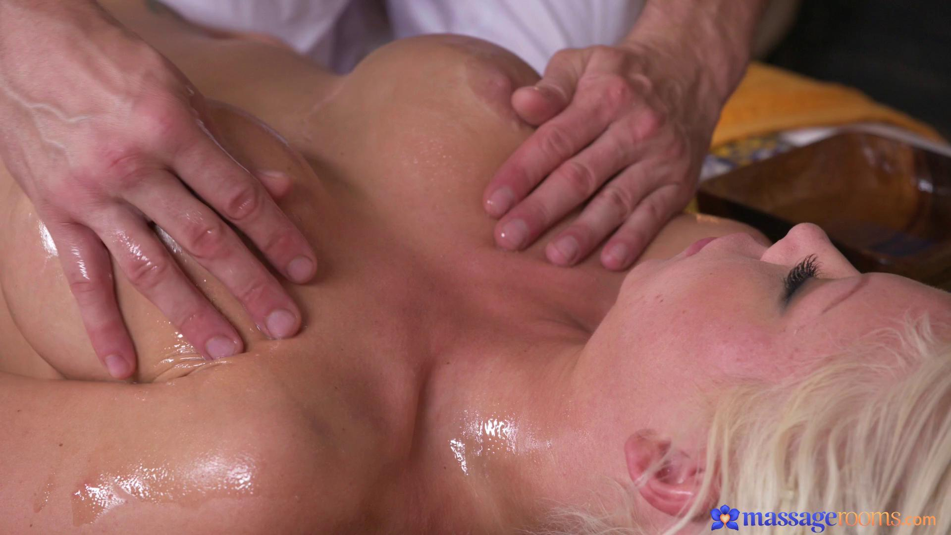 MassageRooms – Barbie Sins
