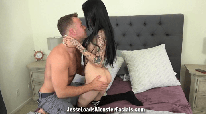 JesseLoadsMonsterFacials – Kimber Veils