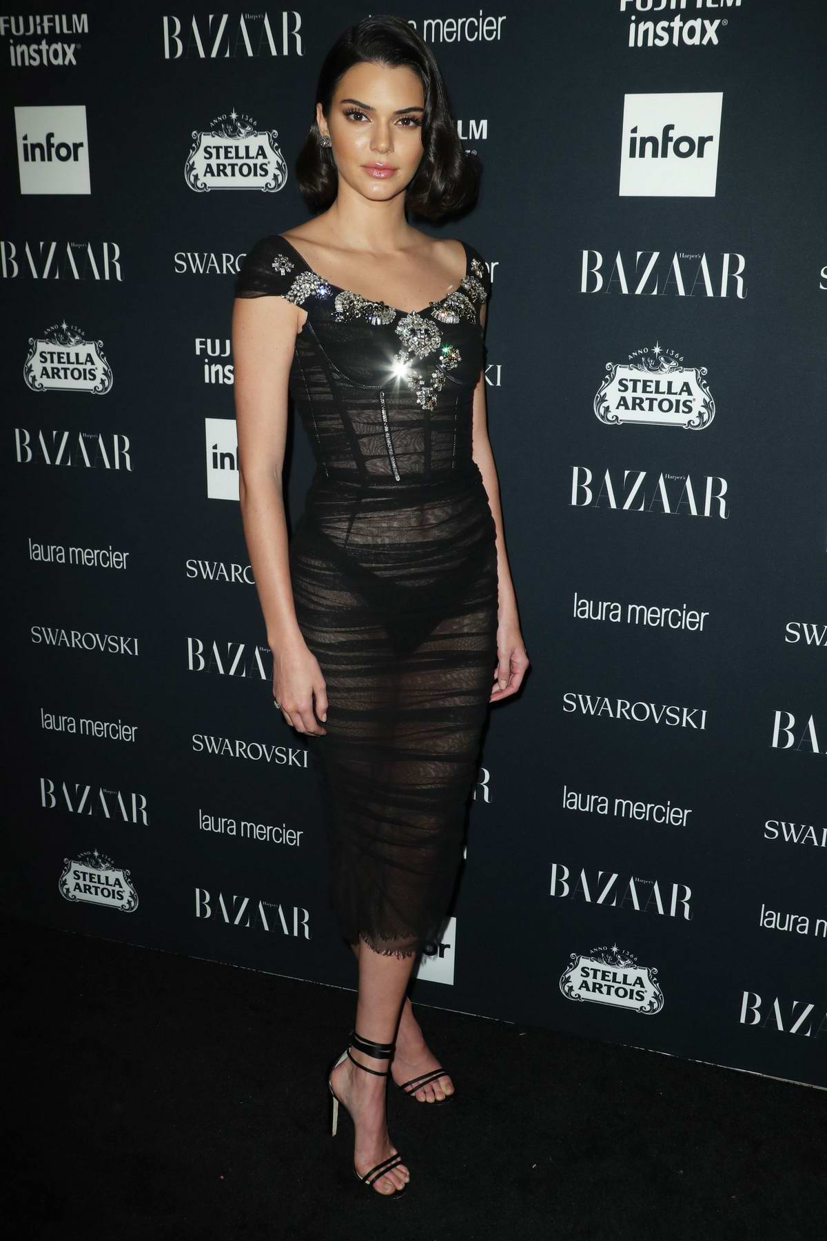 51216975_kendall-jenner-at-the-harpers-bazaar-icons-party-at-new-york-fashion-week-080917.jpg